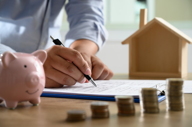 Boligkøb. Gennemgang af lånedokumenter, finansiel rådgivning, prissammenligning, bankforhandling og låneovervågning.
